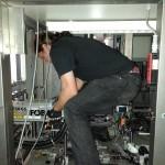Der Ausbau des Laserkopfs.